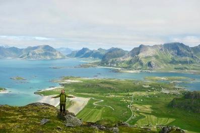 Lofoten er pent. Ramberg i bakgrunnen. Foto: Topp Hestmark.