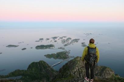 Henningsvær fra Festvågtinden.