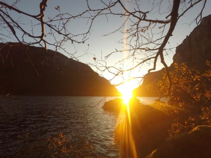 Skulle nesten tro dalen var laget for solnedganger.